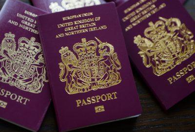 英國稱明年1月底接受香港居民申請英國國民海外護照
